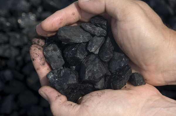 Каменный уголь используется для производства жидкого топлива, металлов, в медицине, в химической промышелнности