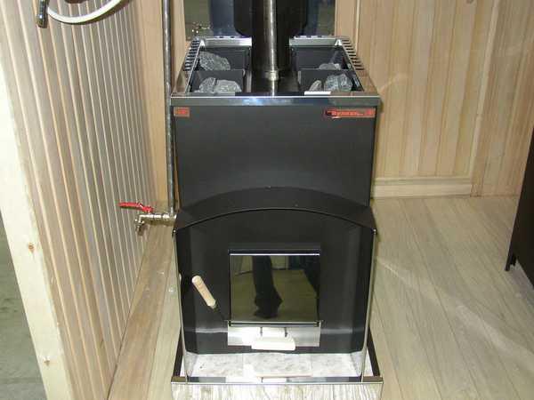 Важно правильно установить дровяную печь для бани