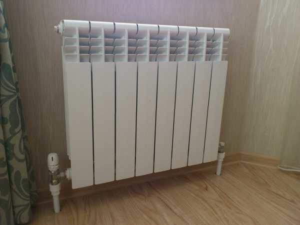 Так может выглядеть радиатор, если трубы спрятаны в пол