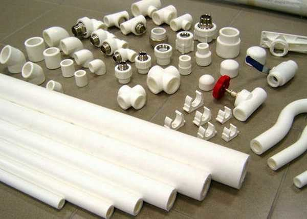 При изготовлении ППР труб используют разные материалы