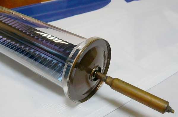 Перьевая трубка - внутри пластина, напоминающая перо