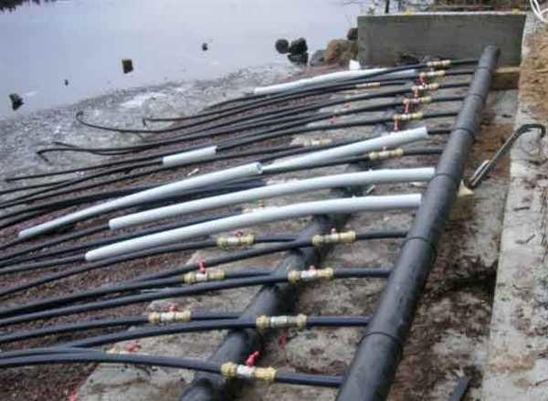 Для отбора тепла у воды, потребуется утопить большое количество труб