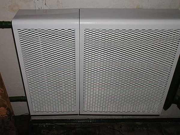 Металлический экран - не самый привлекательный, может быть, но с самой хорошей теплоотдачей