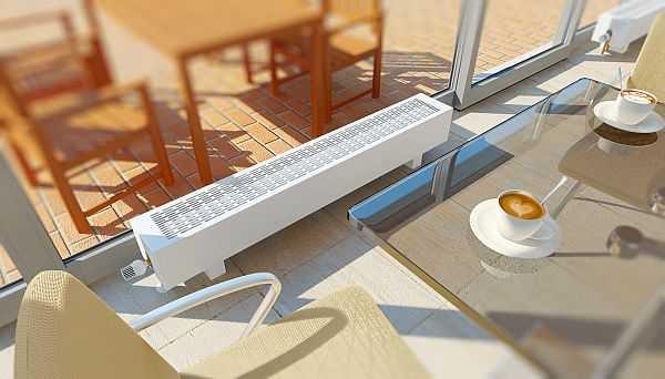 Напольный низкий радиатор - отличный вариант для обогрева торговых залов и витрин