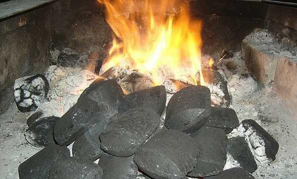 Брикетирование угля позволяет из отходов получать топливо с хорошими характеристиками