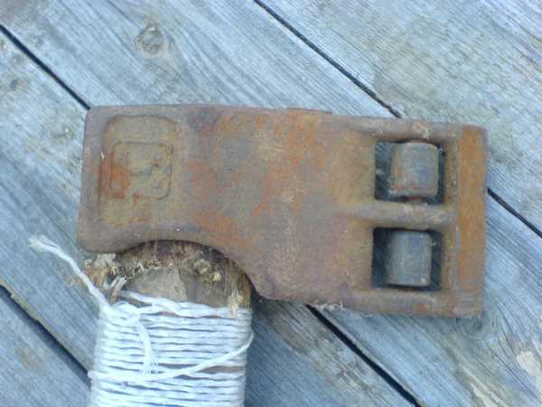 Усовершенствованный колун для дров: добавлены колесики, чтобы не застревал в чурбаке