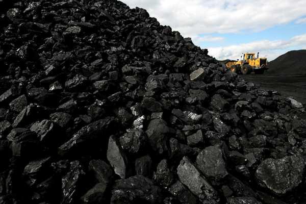 Сколько угля нужно на зиму? Зависит от площади дома, из чего он построен, как утеплен, от типа котла и еще от многих факторов