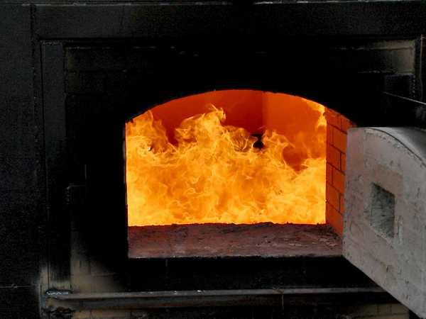 Подбирая уголь для печи, ориентируйтесь не только на его характеристики. Стоит обратить внимание и на стоимость доставки и на рекомендации производителей котлов