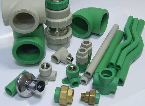 Полипропиленовые трубы для отопления используют армированные