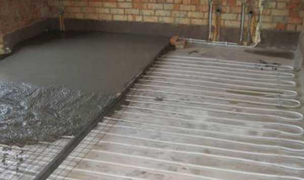 Большая часть подогрева теплого пола предусматривает установку в толще бетонного раствора