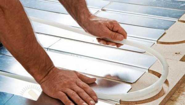 Водяной теплый пол под ламинат без стяжки — полистирольная настильная система с металлическими плитами для большей теплоотдачи