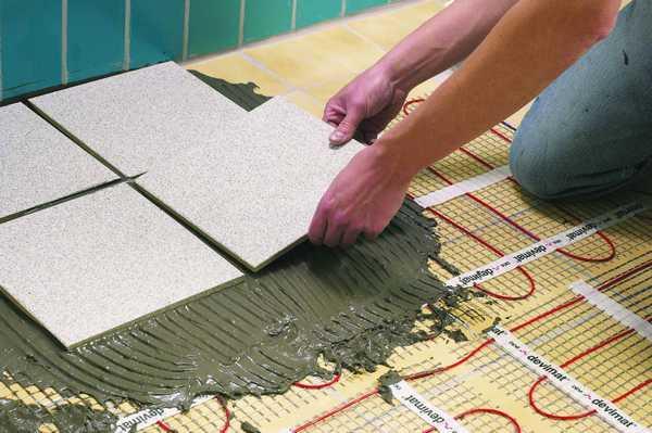 Кабельный теплый пол под плитку - хороший вариант, но кабельный мат укладывается быстрее