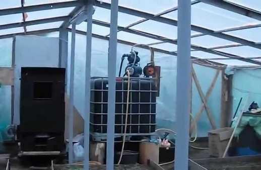 Теплый водяной пол без циркуляционного насоса в теплице будет неэффективным
