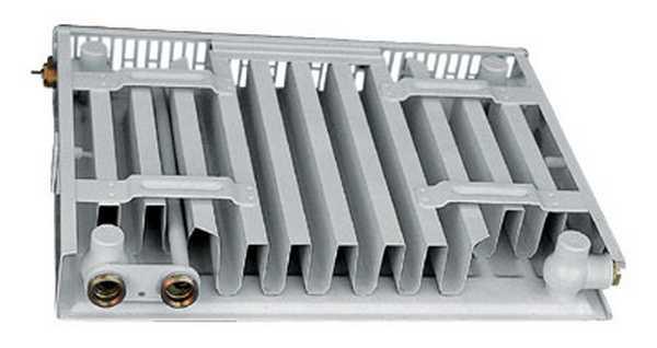 """Для увеличения теплоотдачи на нагревательную панель крепятся """"П""""-образные конвективные ребра"""