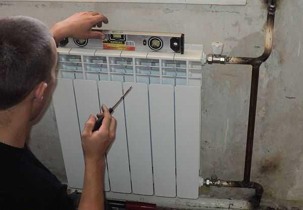 Радиаторы должны быть установлены ровно во всех плоскостях