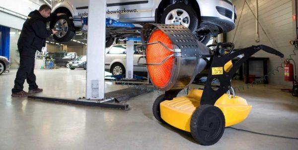 Для производственных помещений есть модели с емкостью для топлива