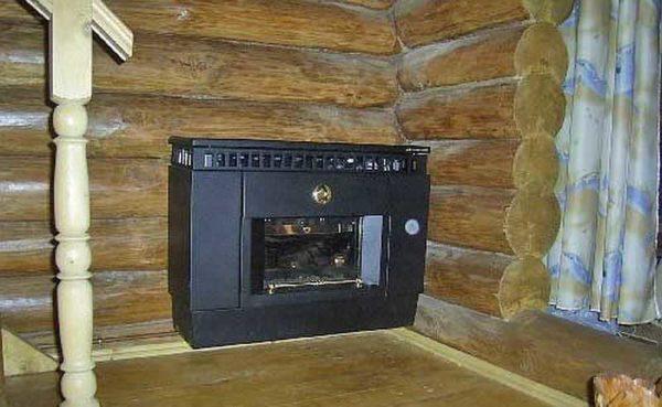 При установке на сгораемую стену, надо защитить ее несгораемой подложкой